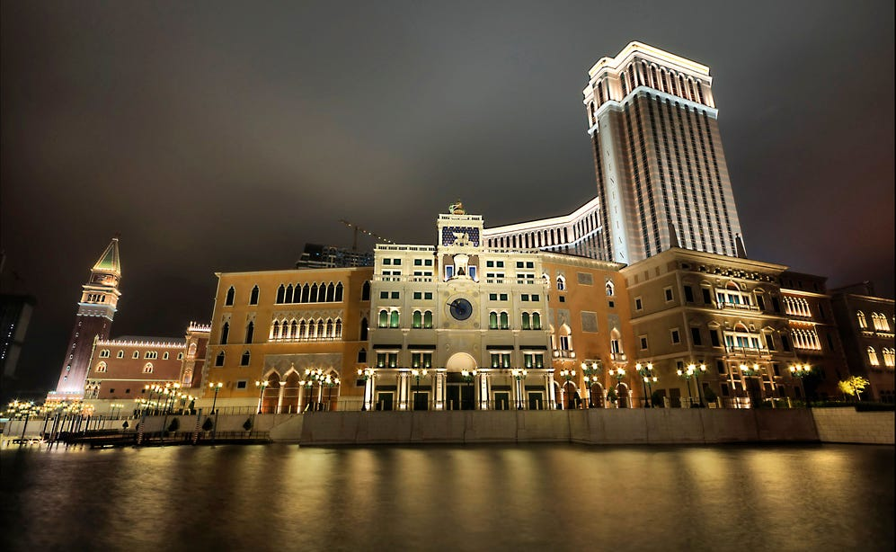 Macau has 33 casinos Vegas as the largest gambling city in the world-262